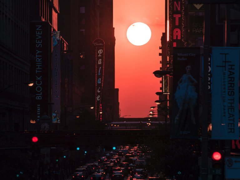 "sunset in NYC, ""Manhattan Henge"""